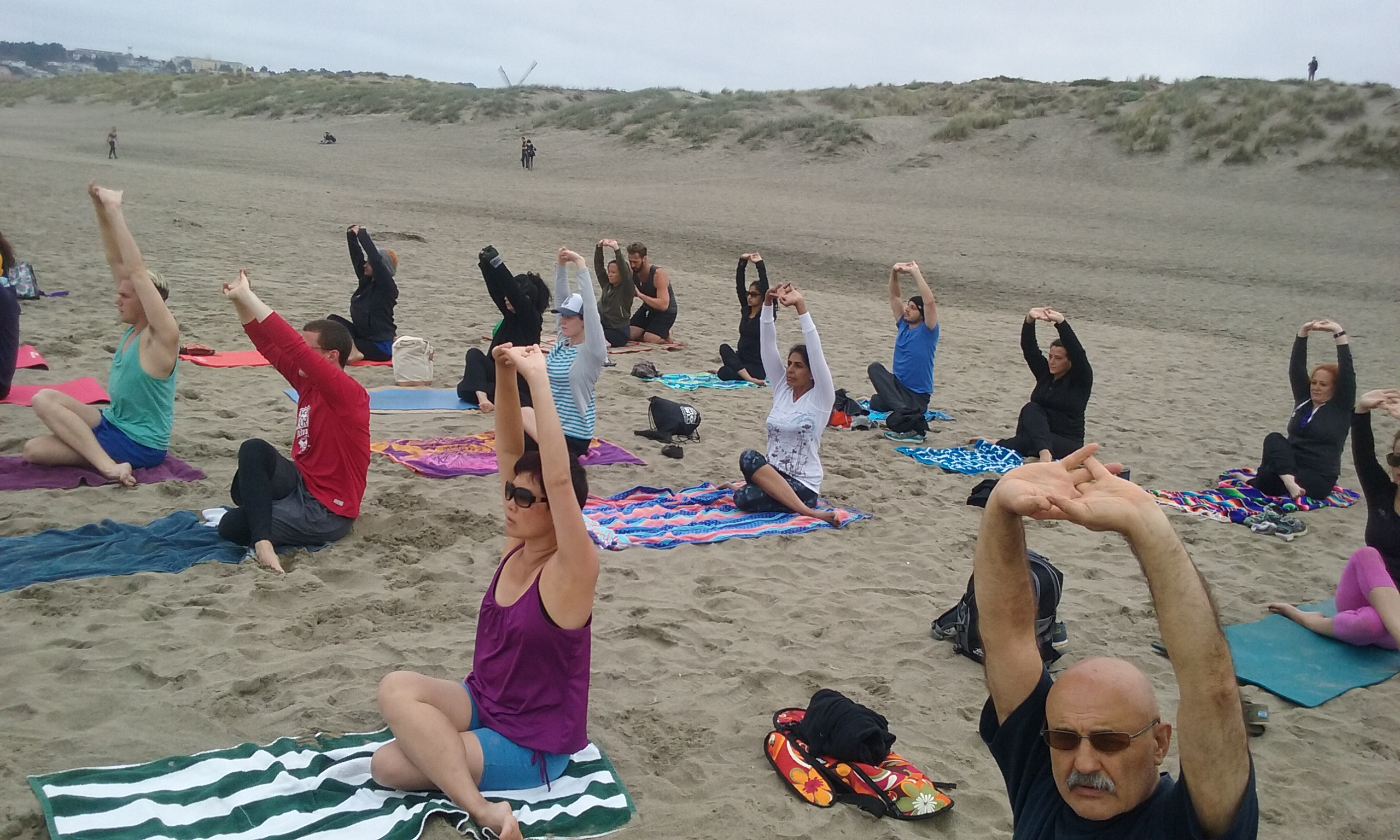 Free Yoga on the beach of San Francisc0