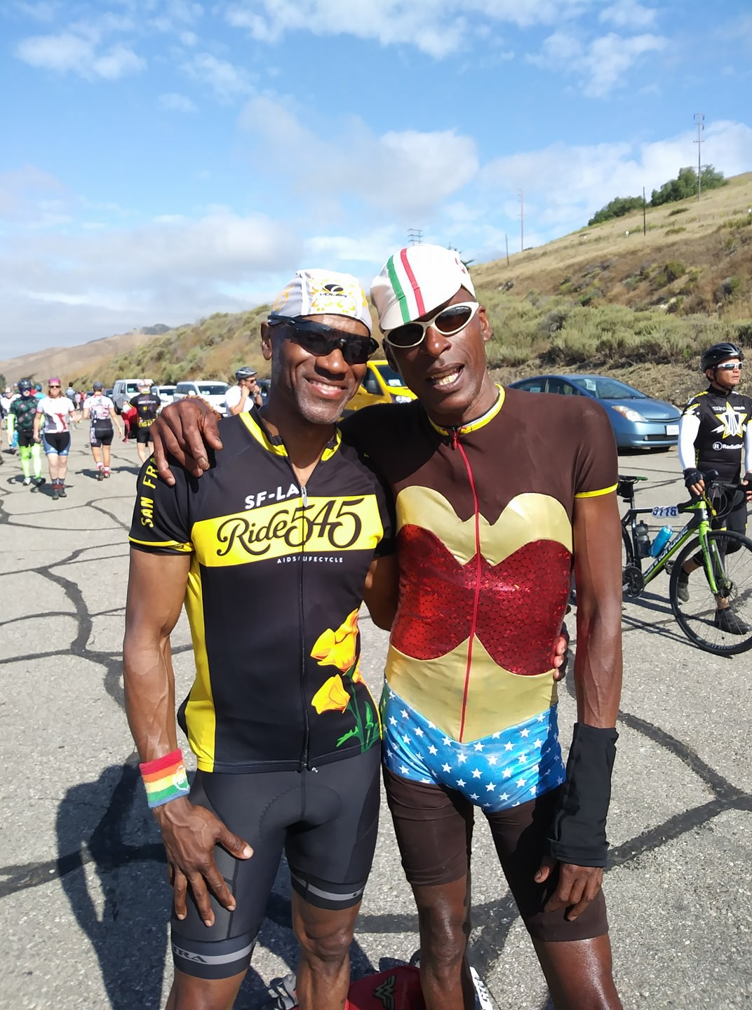 AIDS/LIFECYCLE 2017 RIDERS HUGGING