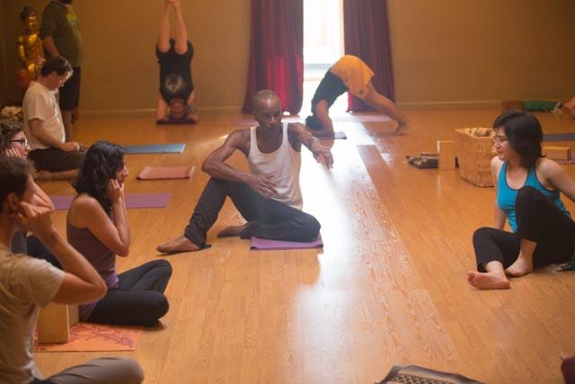 Sirsasana Demostration   Yoga Tree